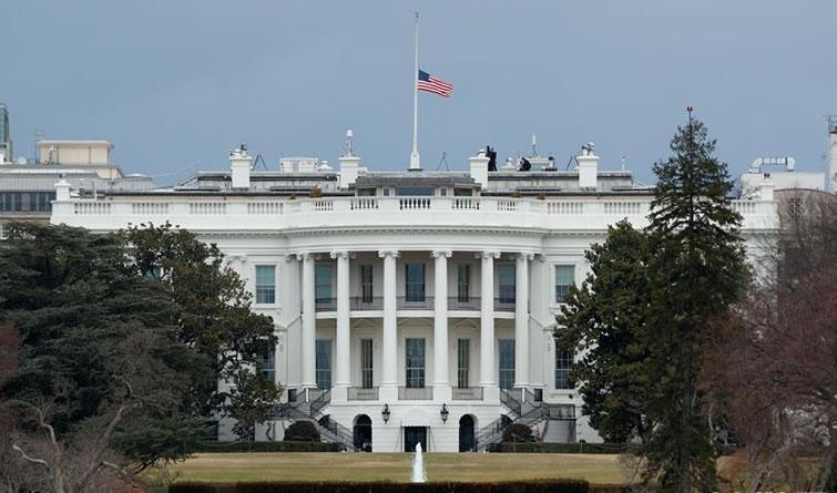 华盛顿:降半旗哀悼校园枪击案遇难者