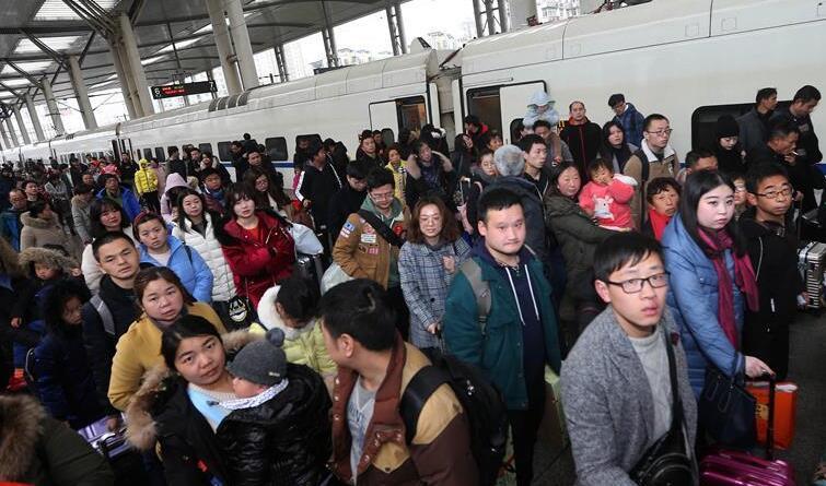 铁路春运迎来返程客流高峰