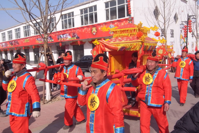 武强百姓载歌载舞庆新春