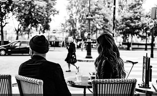黑白中发现街头与众不同 多姿多彩的生活情境