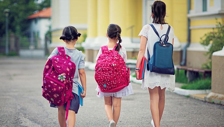 【观点新闻】推迟到校,能让孩子多睡一会儿吗?