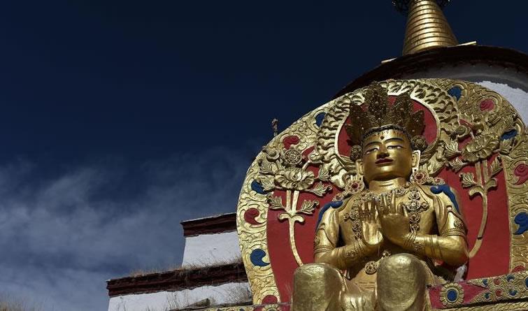藏传佛教古塔——藏娘佛塔