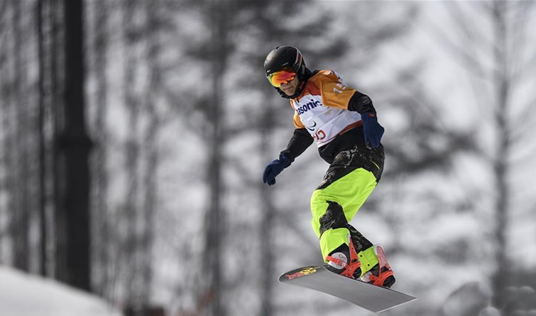 单板滑雪——男子障碍追逐预赛赛况