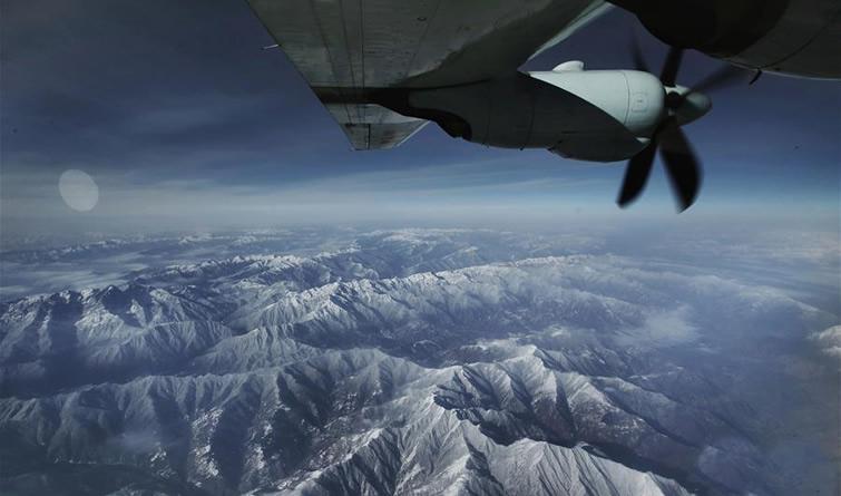 空军出动飞机空转抢救高原病危军人
