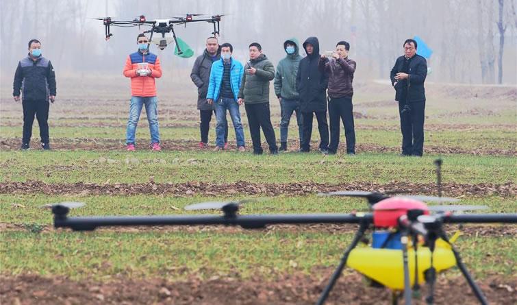 无人机培训助春管
