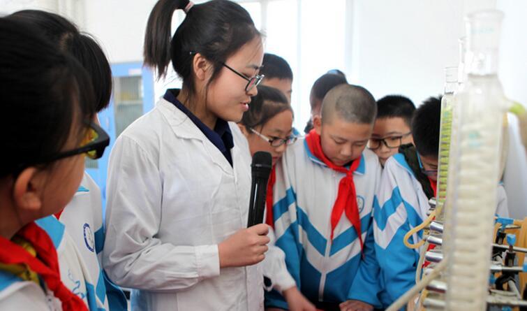 """廊坊香河:小学生""""世界水日""""走进污水处理厂"""