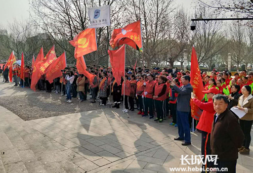 """沧州市区400余名""""红马甲""""志愿长期呵护大运河生态"""