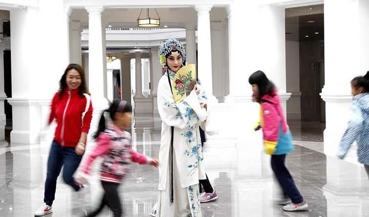 """""""京韵华彩与建筑对话""""街拍快闪活动在京举行"""
