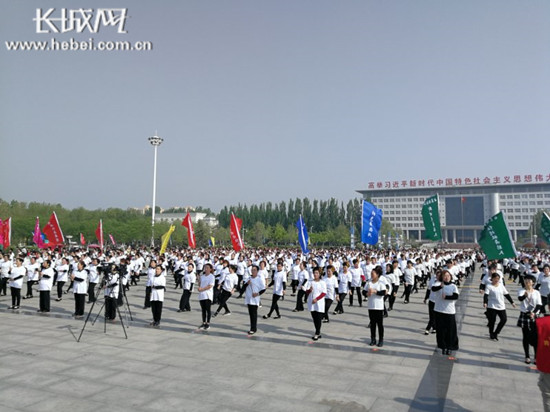 人口老龄化_邯郸市2018年人口