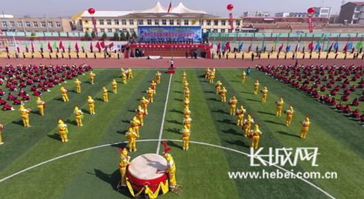 奥林匹克会旗在张家口市阳原县巡展