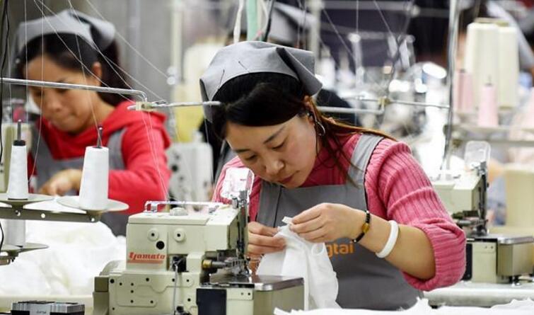 宁晋:服装产品走出国门