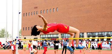 石家庄市中小学生田径运动会在二中润德学校举行