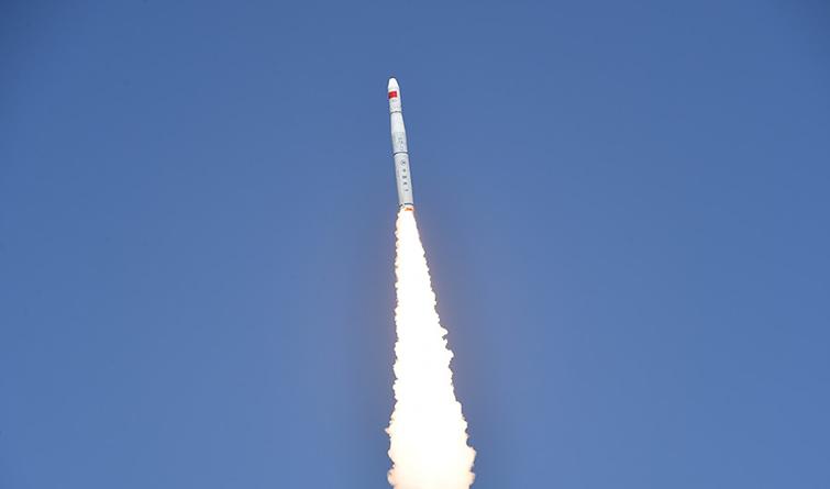 """我国""""一箭五星""""成功发射""""珠海一号""""02组卫星升空"""