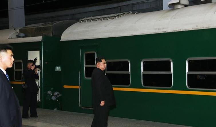 朝方专列运送中国遇难者遗体和伤员回中国 金正恩到车站送行