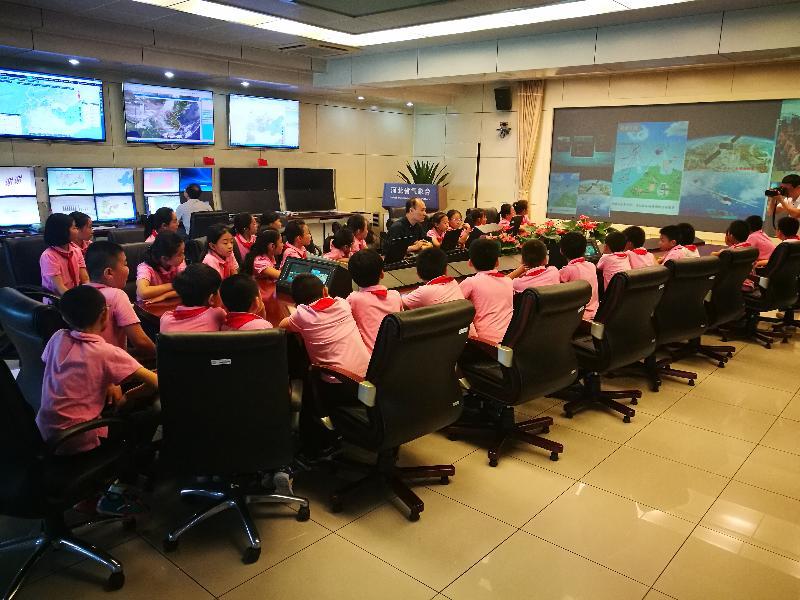 河北省气象台对小学生开放