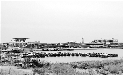 衡水湖景区结束封湖期对外开放