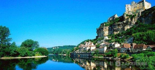 中国旅游日:各地景点重磅来袭 让你玩个够
