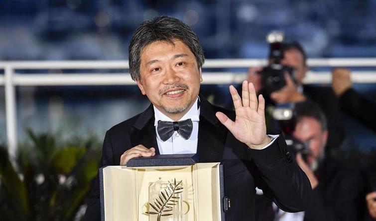 《小偷家族》斩获戛纳电影节最佳影片金棕榈奖