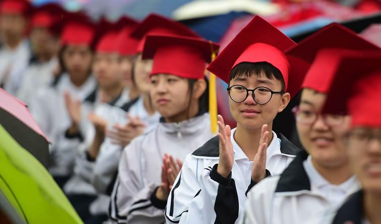 """河北沧州:1600名学子参加""""成人礼"""" 奔向人生新征程"""