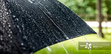 共享雨伞传递诚信力量
