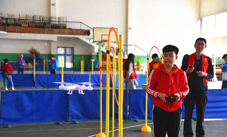 唐山开平区举行第八届中小学生科技运动会