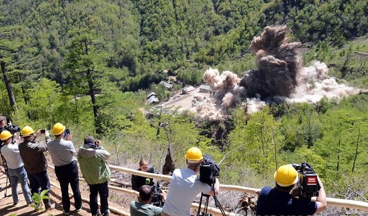 朝鲜公布炸毁丰溪里核试验场画面