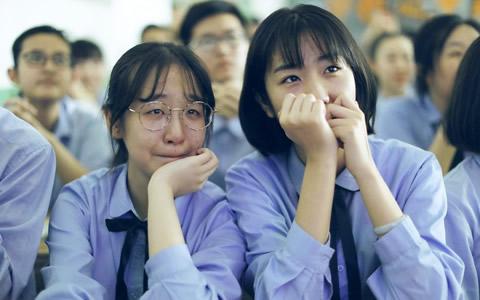 高三学生的最后一堂课 满是欢笑与泪水