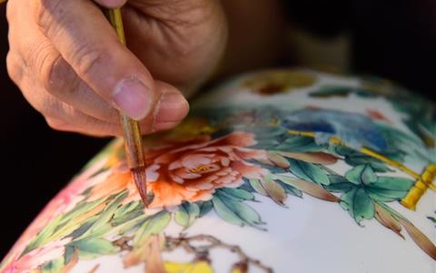 织金彩瓷 传承匠心
