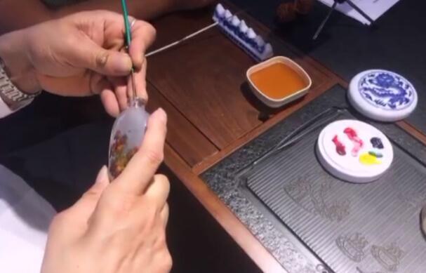 李英涛:泼彩内画,寓情荷花