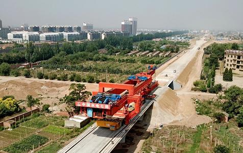 京张高铁河北段抢工期保进度
