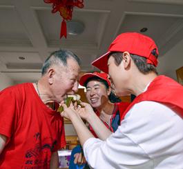 唐山:欢歌笑语迎端午 感受浓浓爱国情