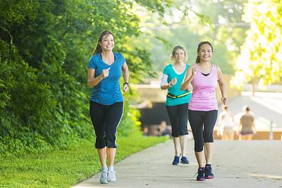 健步走方法不对反伤身