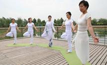 瑜伽—感受人与自然的和谐之美