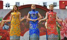 河间姚福随的旗袍从乡间走向世界