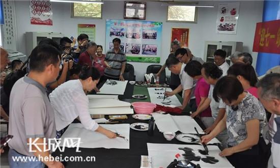 """""""迎七一· 颂党恩""""邯郸市文联组织书画名家进社区"""