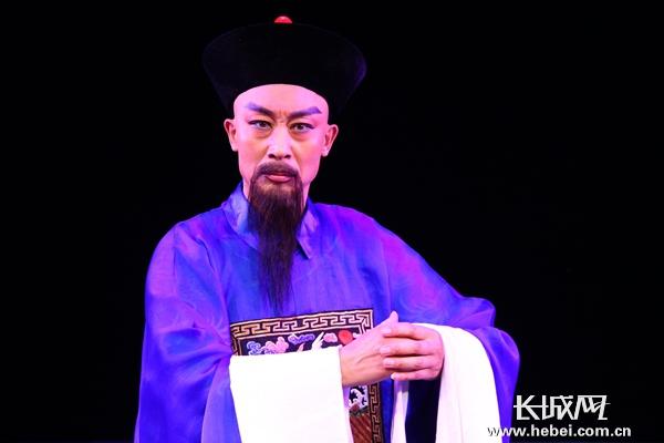 小戏不小好连台 代表河北进京来<br /> 国家级非遗蔚县秧歌剧代表作《魏象枢》首都观众好评如潮