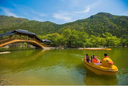 燕子湖戏水乐园 燕子湖自然风景区是昌平乃至北京最新的一处避暑好
