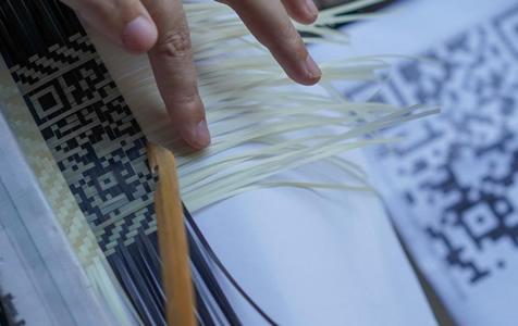 贵州85后女青年篾刀尖上的创新 竹编二维码受热捧