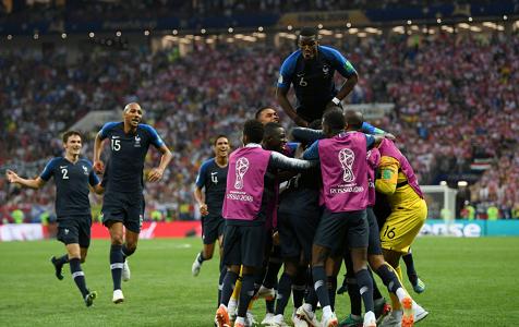 重回巅峰!法国队捧起大力神杯