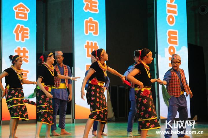 衡水中学举办第六届国际文化教育艺术节