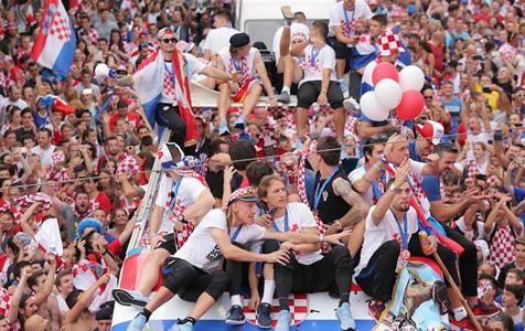 克罗地亚人民迎接英雄凯旋