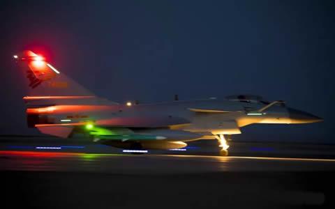 威龙夜航!空军进行夜间实战化对抗演练