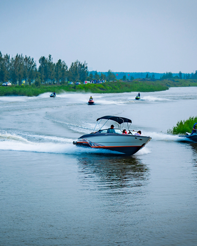 2018年京津冀水上摩托艇爱好者表演赛在唐山举办