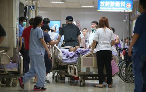 台北医院发生火灾 13人心肺功能停止