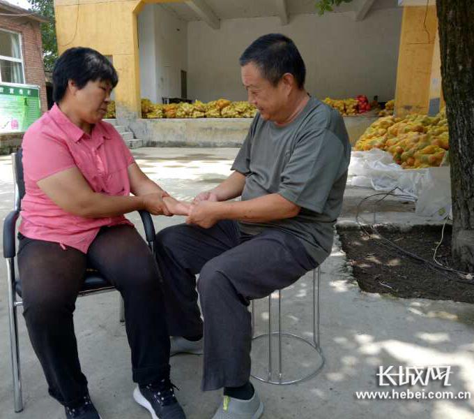 王全忠:带着病妻驻村扶贫的故事