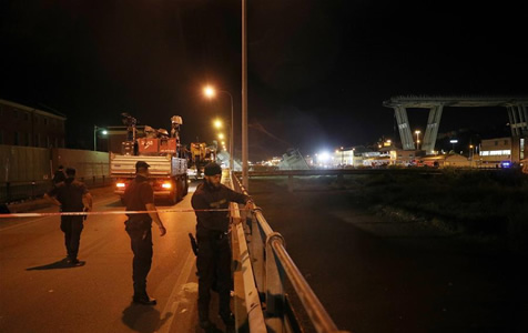 意大利发生公路桥垮塌事故至少20人死亡