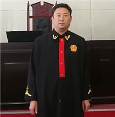 枣强县法院屈其凯