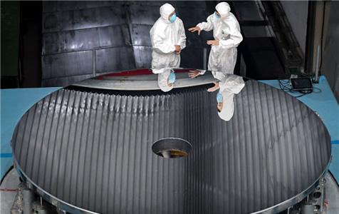 我国研制出4米大口径碳化硅非球面光学反射镜