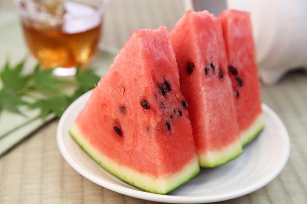 西瓜皮泡茶 助你解暑度炎夏