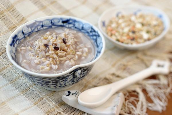 薏米和糯米都很养生这两者养生功效有何区别